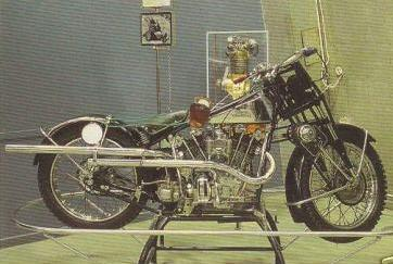 La Suèdoise REX / OEC 1370 cm3, deux roues motrices